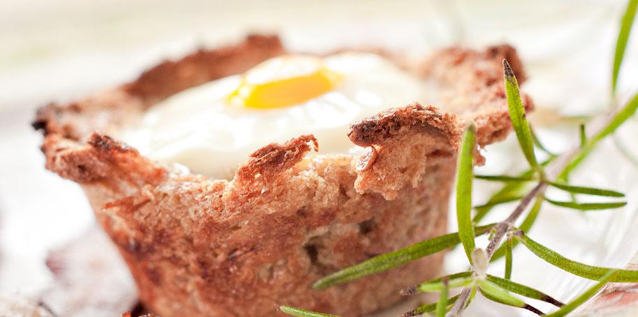 golden-stage-inn-baked-egg-rosemary