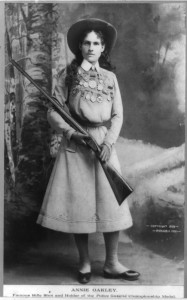 Annie_Oakley_-_Full_length_photograph_circa_1899